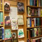 Buchhandlung-Dienstbier-Jugendbuchwand-3