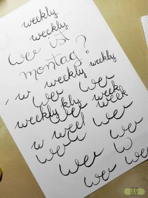 handlettering-uebungsseite-weekly-gekritzel